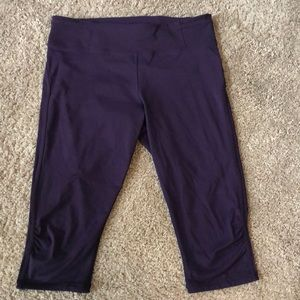 Size 12- Lululemon plum cropped leggings